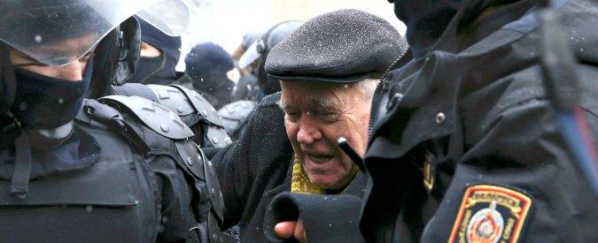 """Bielorussia in piazza contro la tassa sui disoccupati """"parassiti dello Stato"""". Lukashenko, incubo di un nuovo Maidan"""
