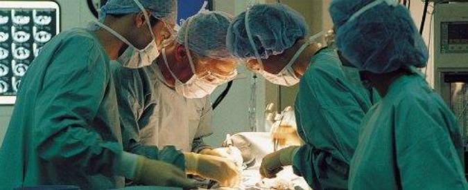 Cina, detenuti setta spirituale Falun Gong uccisi per espianto organi: 90mila l'anno
