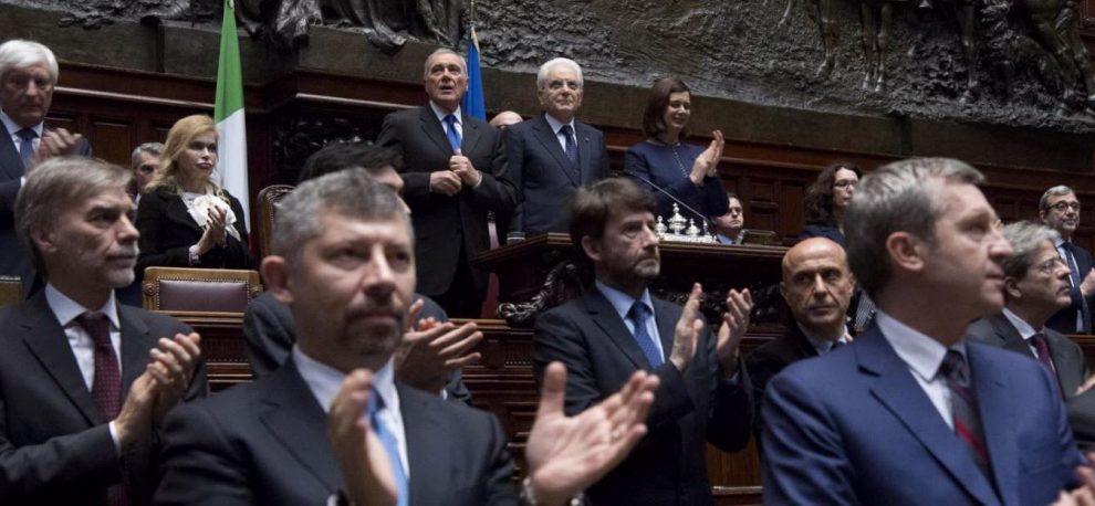 """Trattati Roma, Mattarella: """"Ue ripiegata, serve riforma. Ma impossibile tornare indietro"""""""