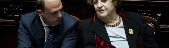 Renzi garantista per Lotti. Ma ai tempi della rottamazione i ministri si dovevano dimettere: da Alfano alla Cancellieri