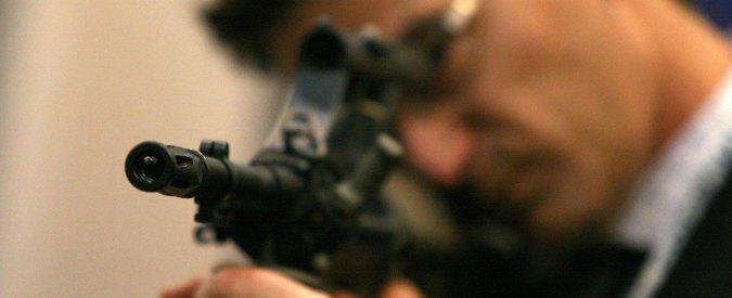 """Armi, platea più ampia per fucili da guerra. Rete Disarmo: """"Direttiva Ue recepita in modo da allargare maglie"""""""