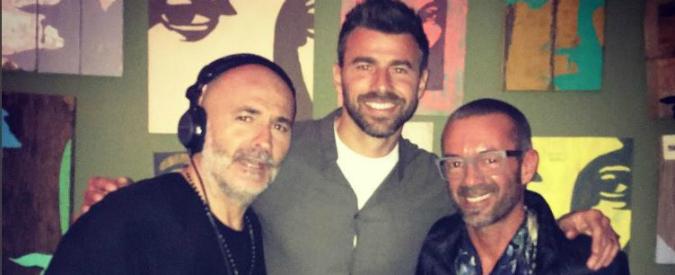 Barzagli lascia il ritiro dell'Italia per motivi personali. Poi lo pizzicano in discoteca. Polemica sui social