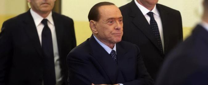"""Berlusconi testimone al processo Fede:  """"A Mora 2,8 milioni? Atto di generosità"""". E al pm: """"Parli forte, io sono vecchio"""""""