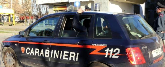 """Torino, uccide la moglie e poi chiama i carabinieri: """"Venite a prendermi"""""""