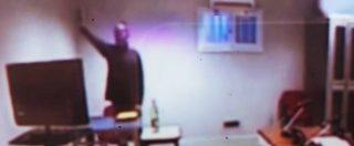 """Mafia Capitale, il saluto fascista di Carminati durante l'udienza. Spunta il video: """"Apologia di fascismo"""""""
