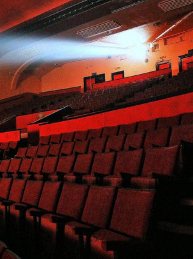 """Prolungato Cinema2Day per tre mesi. L'ira di Teodora Film: """"Scempio italiano, cinema bene svenduto"""". E gli esercenti che non aderiscono più ai film da 2 euro: """"Non crea nuovo pubblico. Svalutato il nostro lavoro"""""""