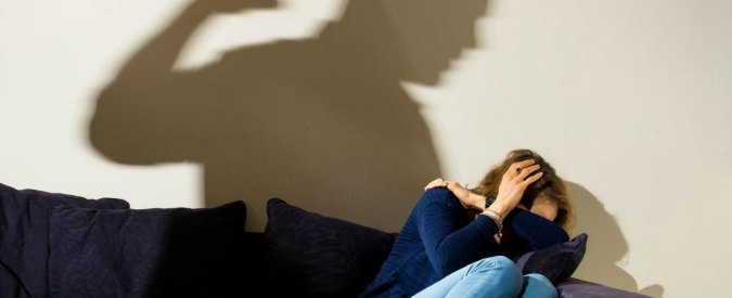 """Torino, la denuncia di una donna 50enne: """"Violentata per ore da mio figlio. Si è drogato mentre ero sua prigioniera"""""""