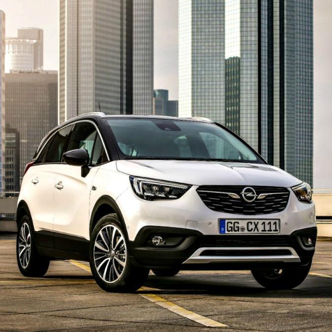 Opel Crossland X, iniziano le vendite del suv compatto tedesco. Prezzi a partire da 16.900 euro – FOTO