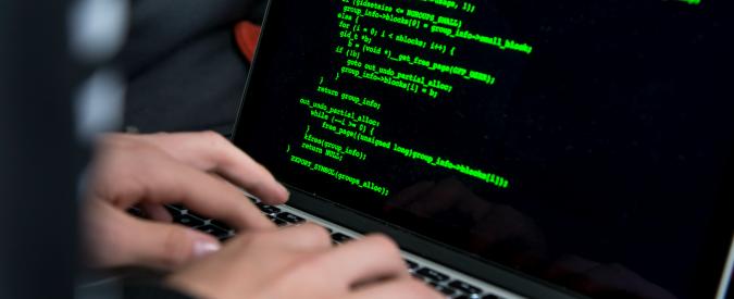 """Hackerato il sito del Pd di Firenze. AnonPlus: """"Ci sono i dati di Matteo Renzi"""". I dem: """"Roba vecchia"""""""
