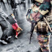 Terrore in Europa, un anno fa gli attacchi del 22 marzo a Bruxelles  Sono momenti di spavento e Antonio Errigo ci invia questa foto che racconta meglio di ogni altro testo ciò che sta accadendo.