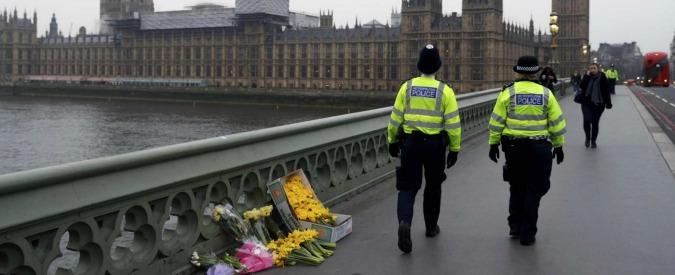Attentato a Londra, morta la donna caduta nel Tamigi: è la quinta vittima