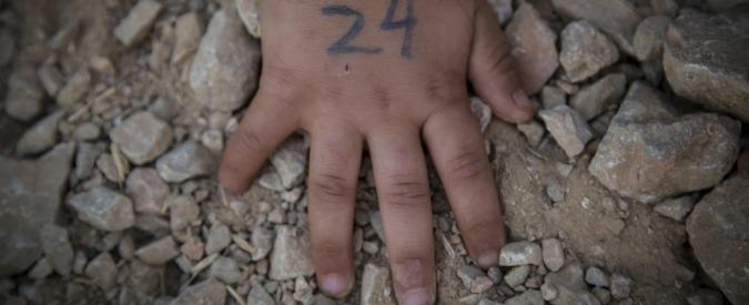 """Migranti, Save The Children: """"Aumento allarmante di casi di autolesionismo tra i minori nei centri d'accoglienza"""""""