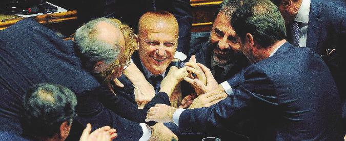 """Minzolini invia la sua lettera di dimissioni da senatore: """"Io persona seria"""". Ma Palazzo Madama può salvarlo di nuovo"""
