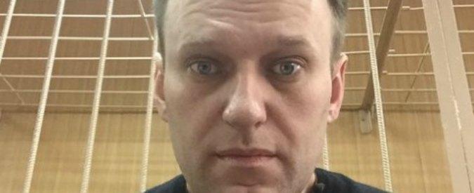 Navalny, il tweet dell'oppositore di Putin dal tribunale: 'Un giorno li giudicheremo'. Usa e Ue: 'Liberate i manifestanti'