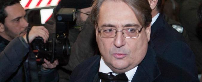Sole 24 Ore, il direttore Napoletano chiede autosospensione. Ai giornalisti non basta: quarto giorno di sciopero