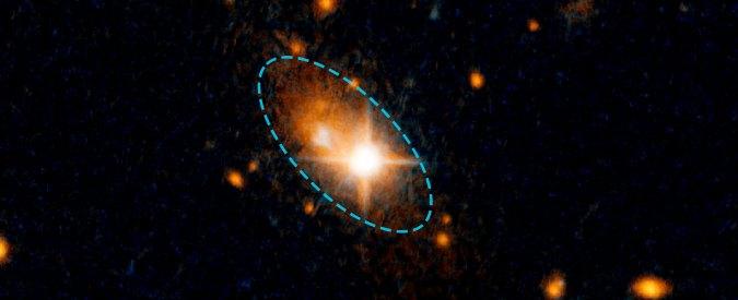 """Onde gravitazionali mettono in fuga un buco nero. """"Spazio-tempo s'incurva e lo spinge via"""""""