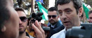 """Cortei Roma, Orlando contestato: """"Ritirate decreto sull'immigrazione, non vogliamo passerelle"""""""