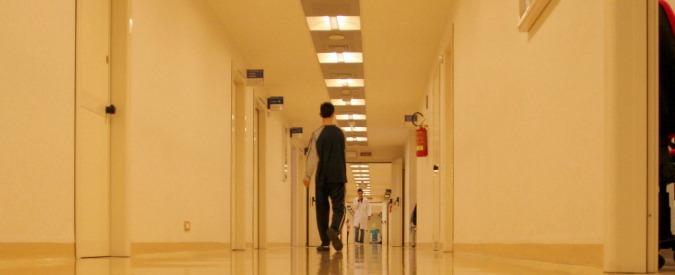 """Taranto, donna colpita alla testa mentre attende una visita in ospedale. """"Morte cerebrale"""". Interrogato un sospetto"""