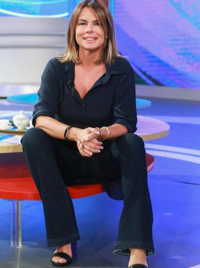 """""""Parliamone sabato"""", le fidanzate dell'Est Europa meglio delle italiane: polemiche sul talk di Paola Perego"""