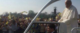 """Papa Francesco a Monza, un milione di persone al parco per la Messa. Bergoglio: """"L'incontro con Dio avviene ai margini, in periferia"""""""