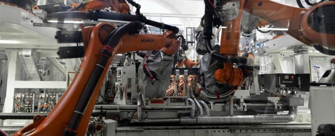 """Produzione industriale, Istat: """"A gennaio è scesa del 2,3% rispetto a dicembre"""". È il calo maggiore da cinque anni"""