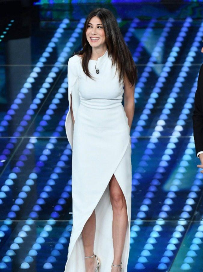 Virginia Raffaele irriconoscibile nello foto di Diva & Donna (infatti non è lei)