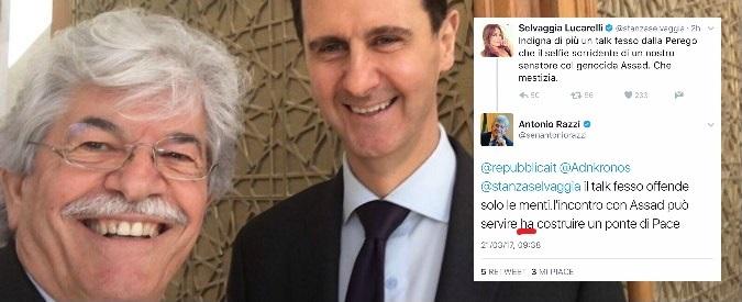 Selvaggia Lucarelli vs il selfie di Razzi e Assad: il senatore risponde con un clamoroso errore grammaticale