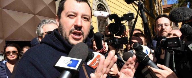 Salvini contestato a Napoli, sarebbe bastato chiedere scusa