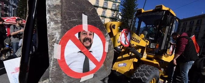 Scontri a Napoli, il giorno dopo. I rischi c'erano, perché autorizzare il corteo anti-Salvini?
