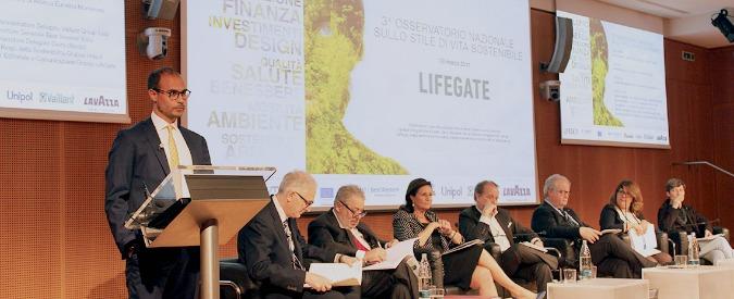 Sostenibilità, gli italiani sono a favore di bio e km 0 (ma poi mangiano tutt'altro)
