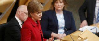 """Scozia, ok del Parlamento per un nuovo referendum sull'indipendenza. May: """"Non apriremo negoziati"""""""