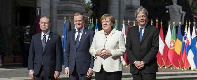 """Trattati Roma, i 27 leader europei hanno firmato. Juncker: """"Solo uniti saremo all'altezza delle sfide del mondo"""""""