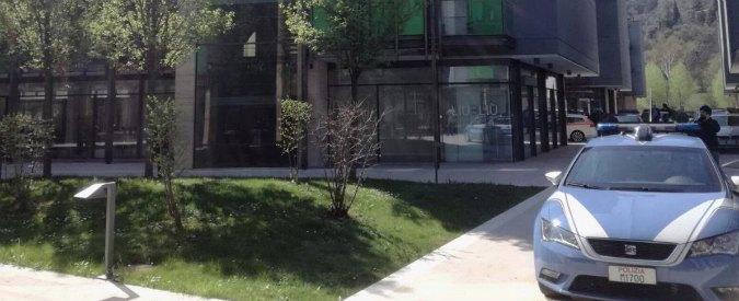 Trento, due bambini uccisi in un appartamento. Padre suicida, cadavere trovato in una scarpata