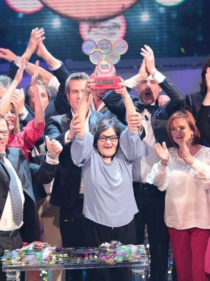 Le Olimpiadi della Tv – Speciale Uomini e Donne, su Canale5 è andata in onda la cosa più brutta mai realizzata da Maria De Filippi