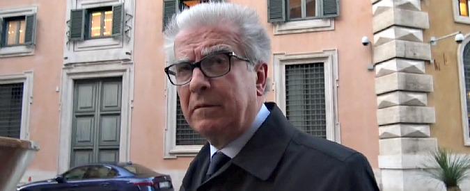 """Indennità, dietrofront di Zanda: """"Ritirerò proposta per salvaguardare Pd. E querelo Di Maio"""". M5s: """"Avevamo ragione noi"""""""