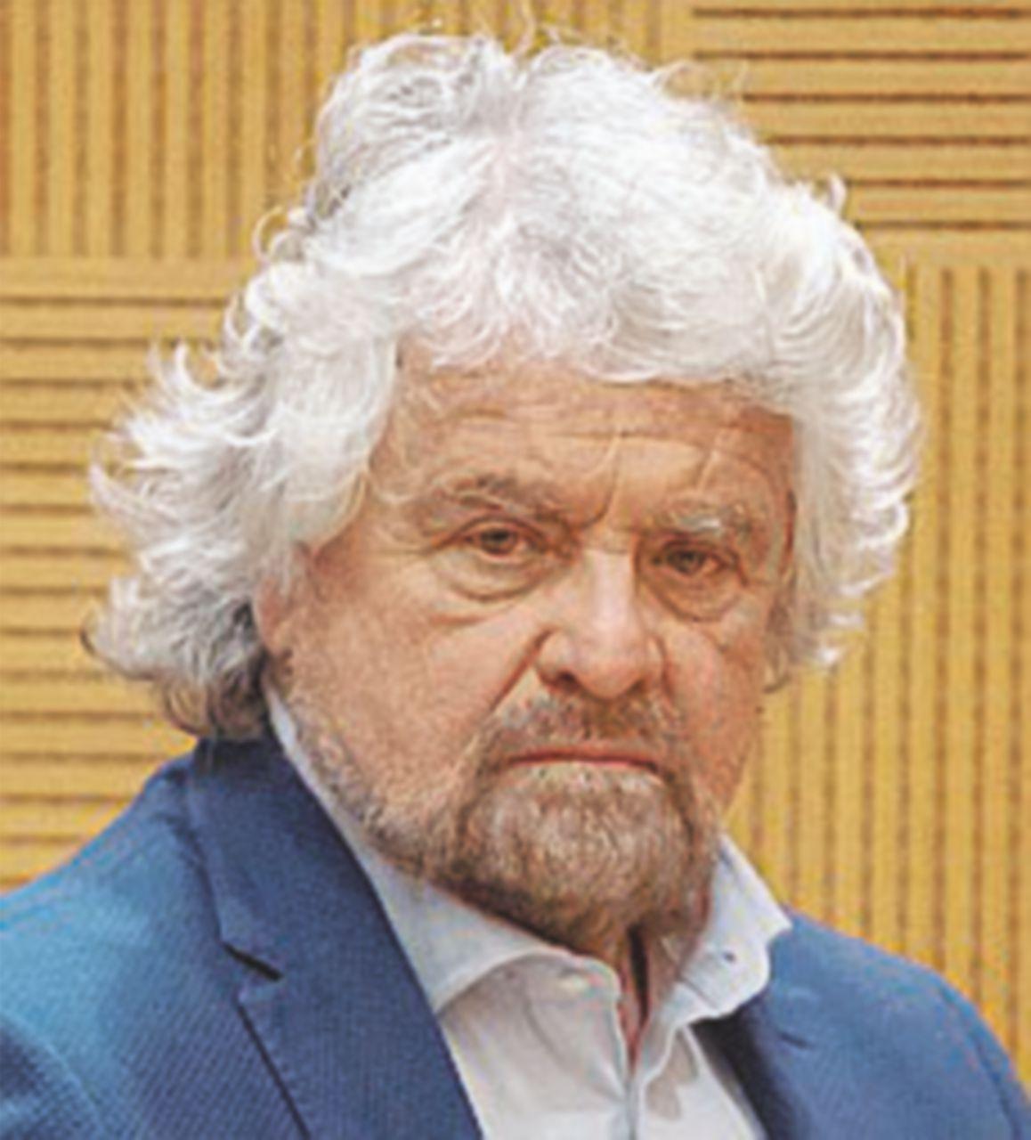 """La Ong lo accusa, Grillo risponde: """"Il sistema è marcio, ma ora il problema è il mio blog?"""""""