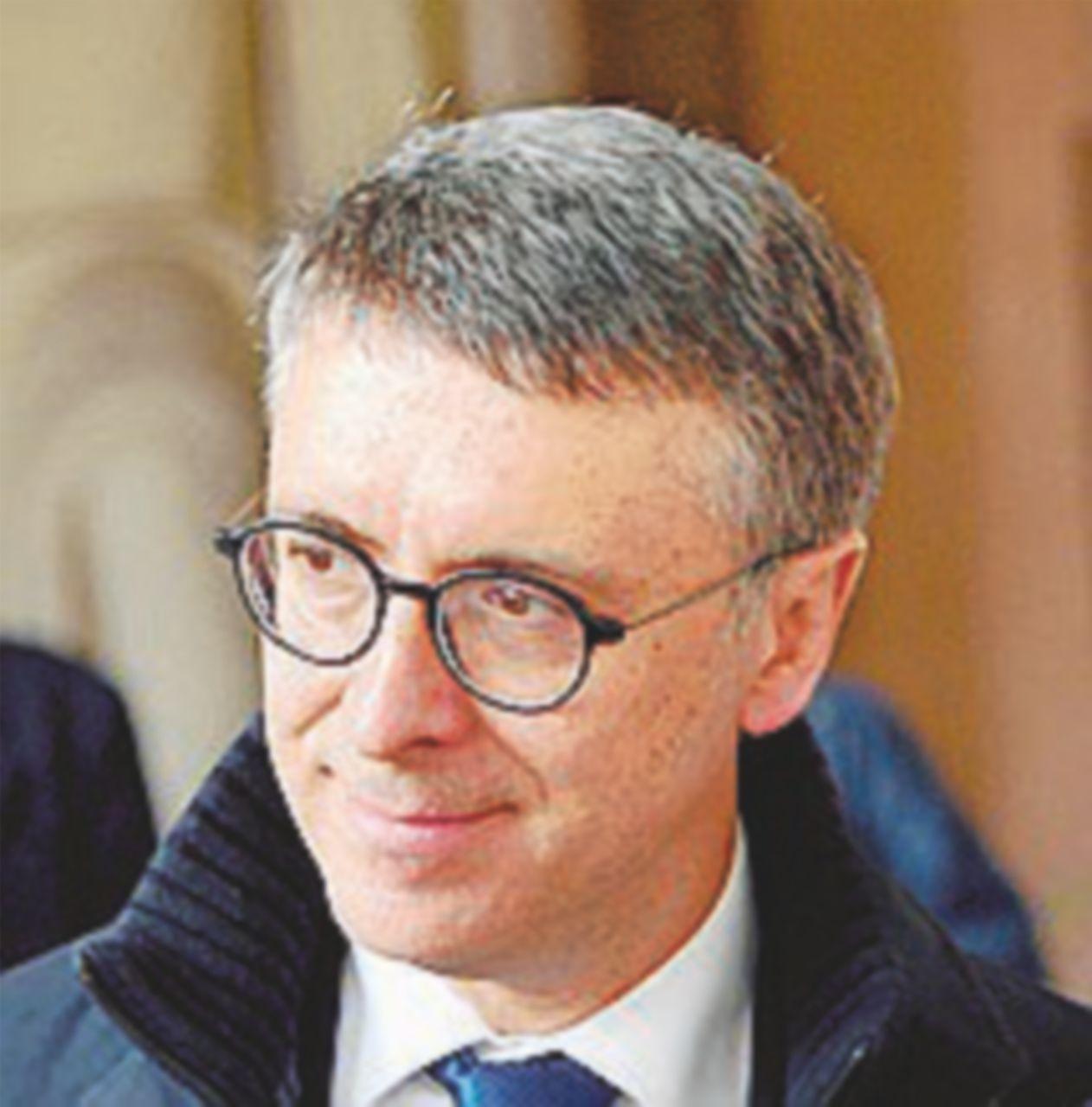 """Adesso persino sul """"Corriere"""" si può dir male di Cantone"""