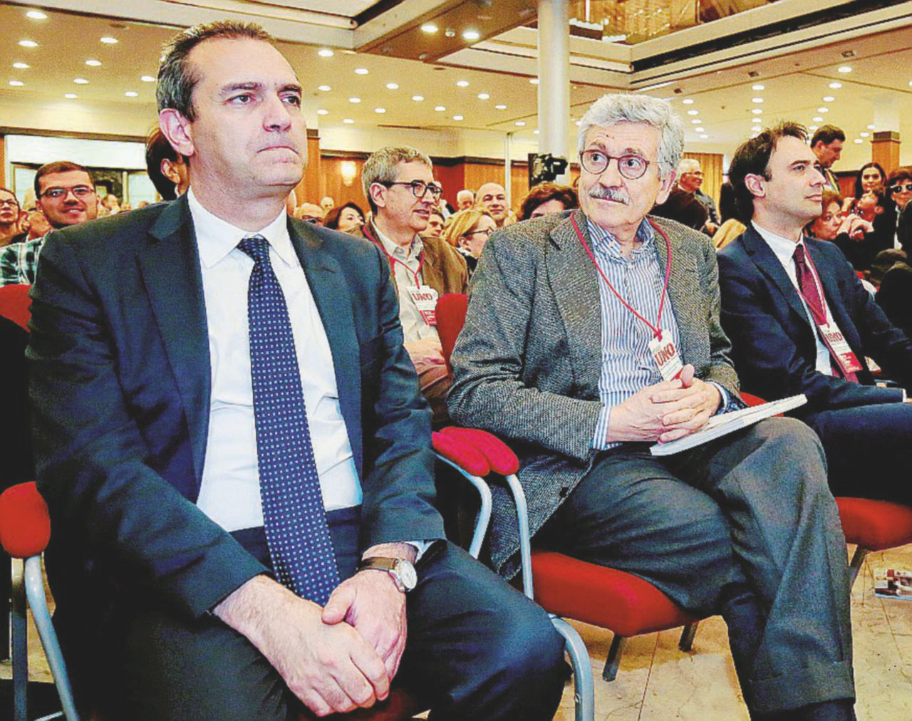 """Miracoli renziani: """"Giggino"""" omaggia Max D'Alema & C."""