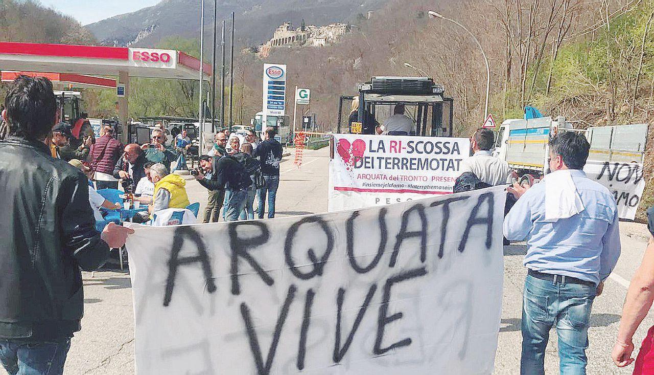 Terremotati nelle strade: bloccata per ore la Salaria