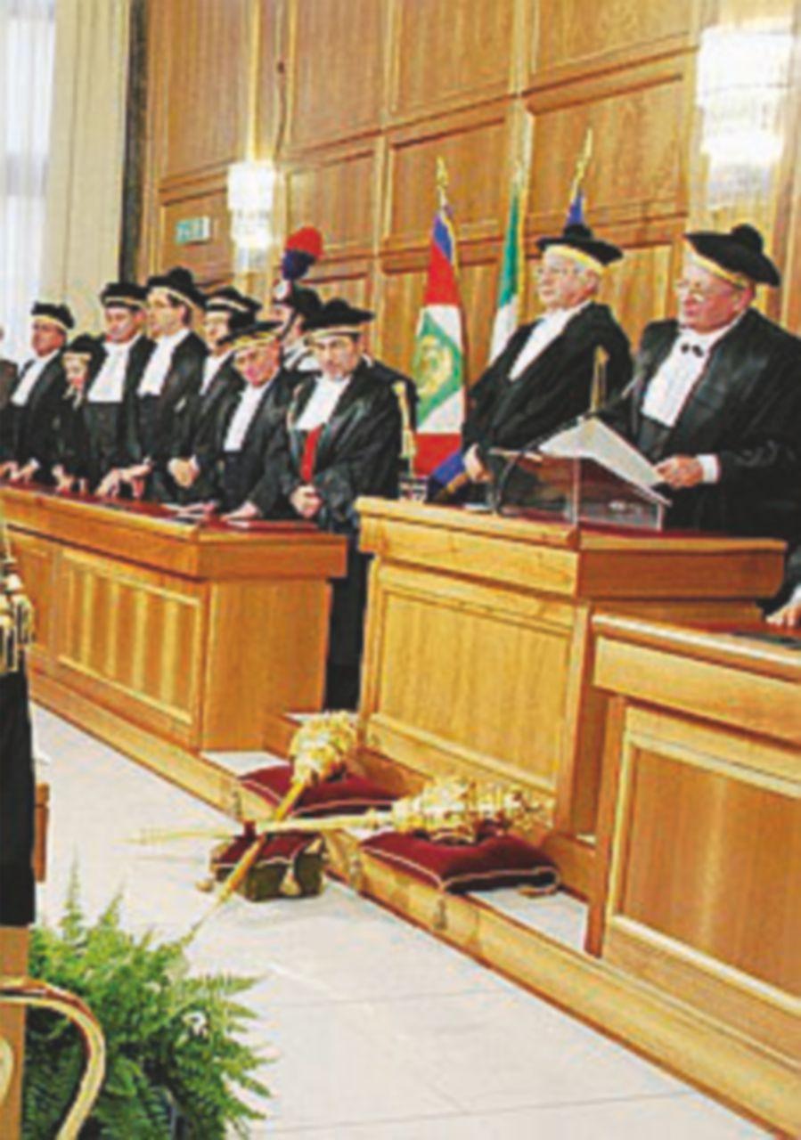 """Corte dei conti: """"In Italia va ridotto il cuneo fiscale"""""""