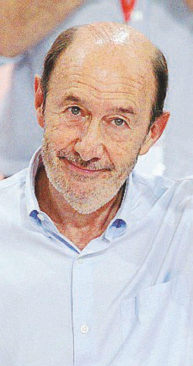 Spagna, l'addio alle armi dell'Eta. Intervista all'ex ministro Rubalcaba