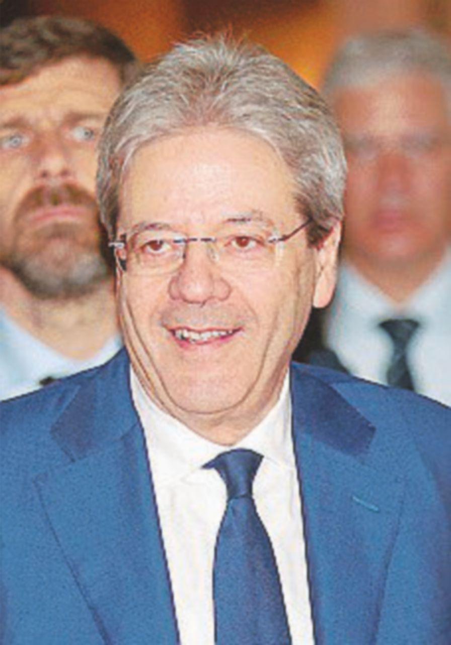 """Gentiloni prova a rilanciare Casa Italia: """"Pronto un miliardo"""""""