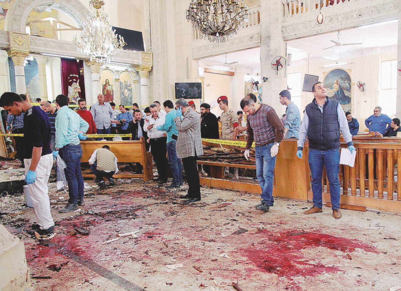 Isis, bombe e kamikaze contro i cristiani: 45 morti