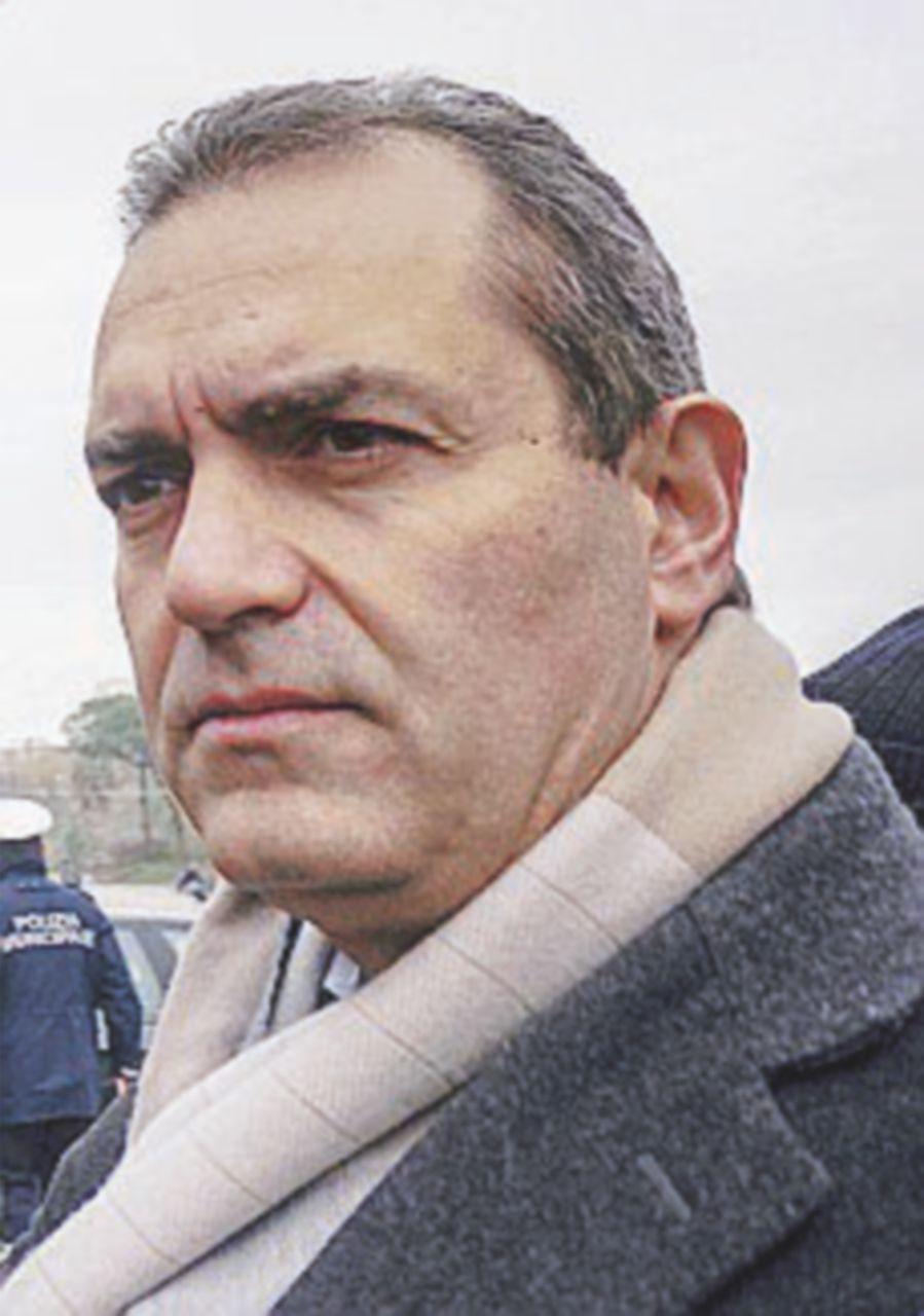 Risolto contenzioso, De Magistris chiede i soldi al governo