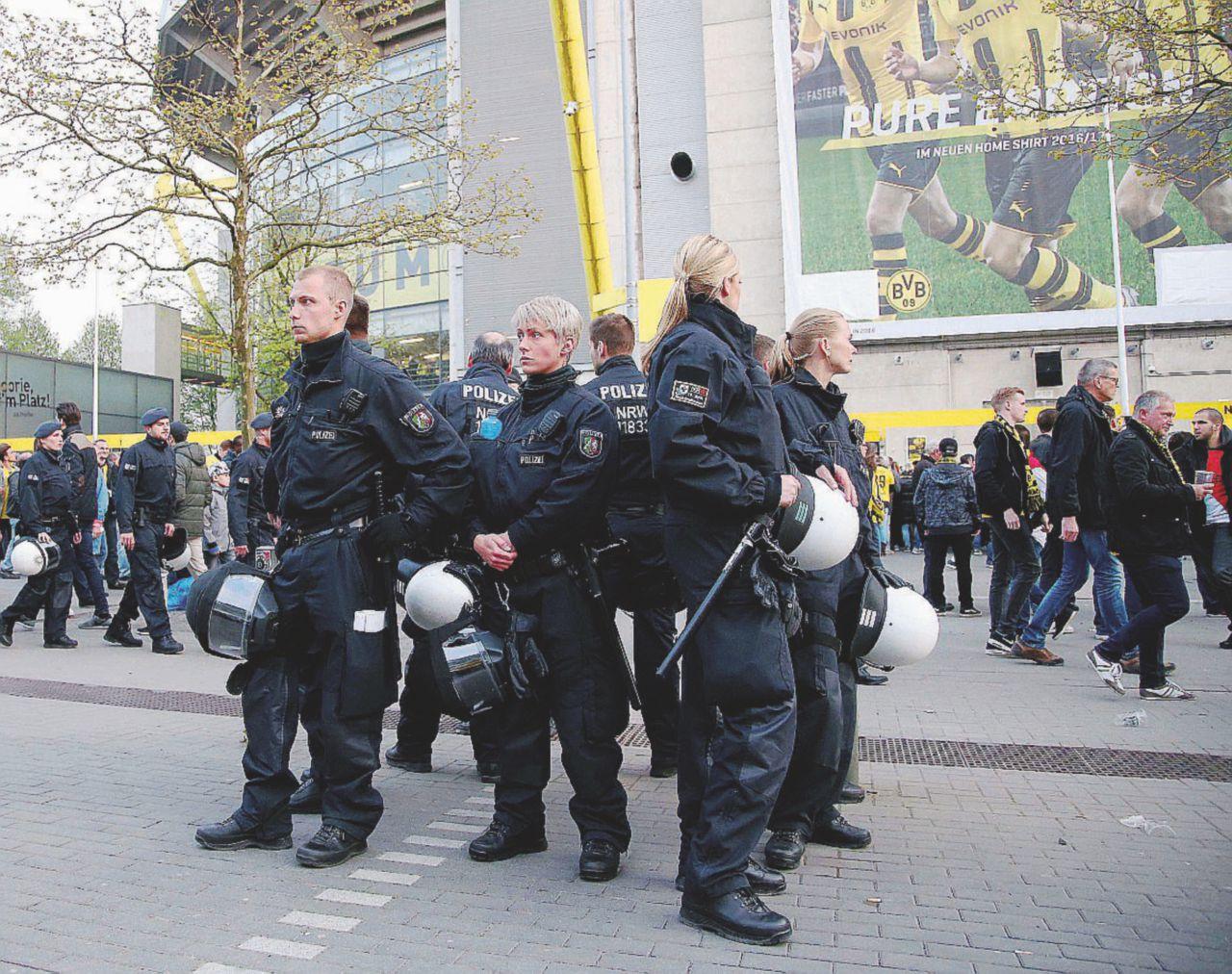 Calcio tra jihad e nazi: un arresto a Dortmund