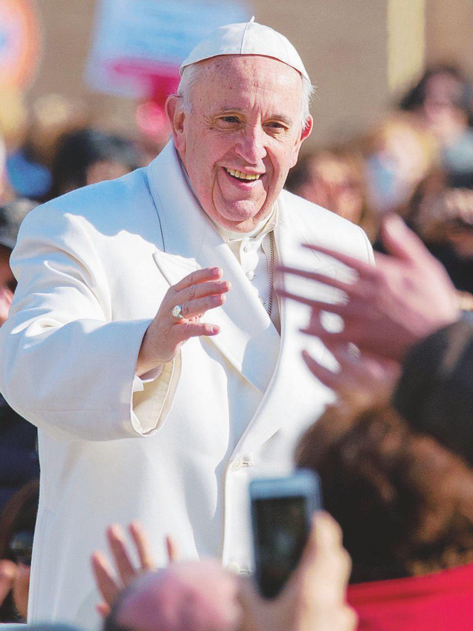 Altro che pace: il Papa non stringa mani insanguinate