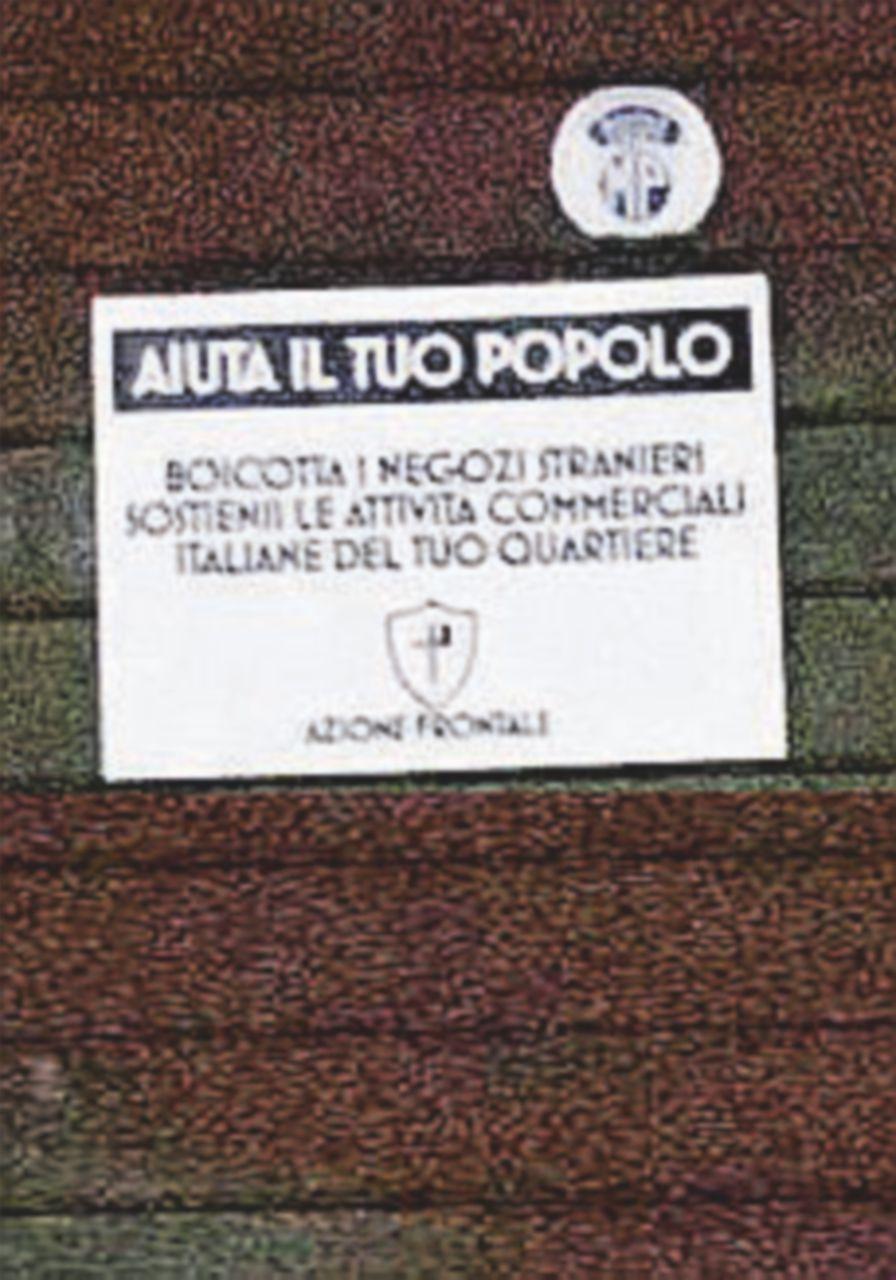 """""""Boicotta i negozi stranieri"""": manifesti xenofobi a Roma"""