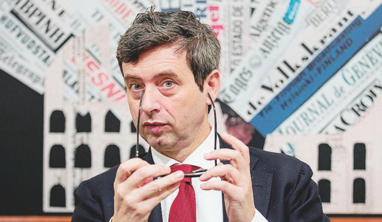 Orlando sfida Renzi in tv ma lo aiuta sull'inchiesta