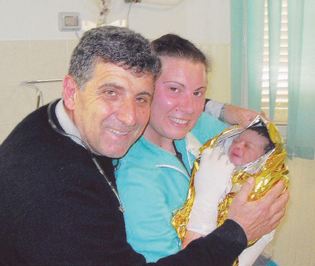 """""""Qui a Lampedusa la vera Pasqua è aiutare i migranti, senza rumore"""""""