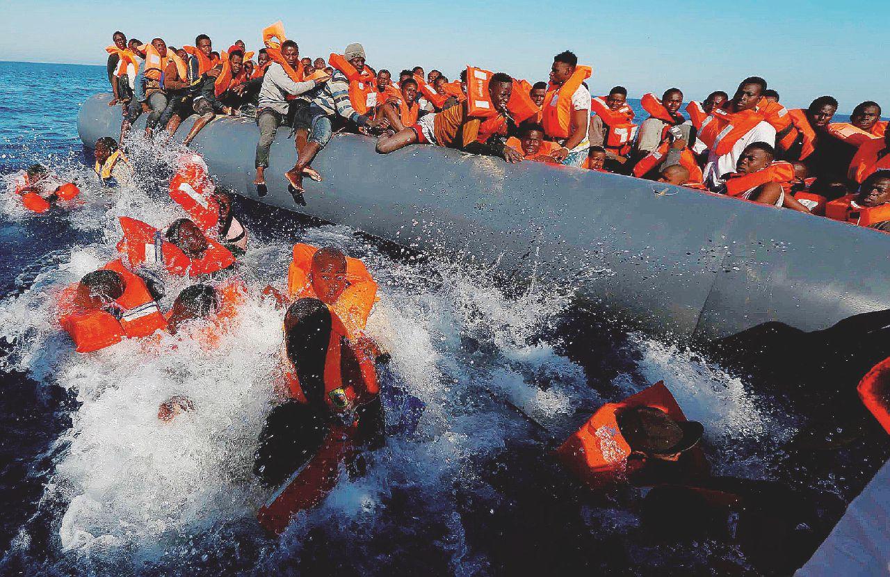 """Mare calmo, nuovo esodo: """"8500 salvati"""". In azione le Ong sotto inchiesta a Catania"""